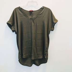 +++Guess Olive Green Rolled Sleeve High/Low Top